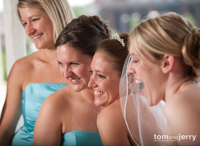 Bridemaids Smile, Wedding Portraits, KC Plaza, Tom and Jerry