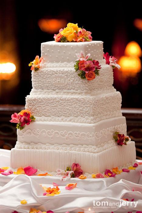Wedding Cake, Kansas City, Tom and Jerry Wedding Photography