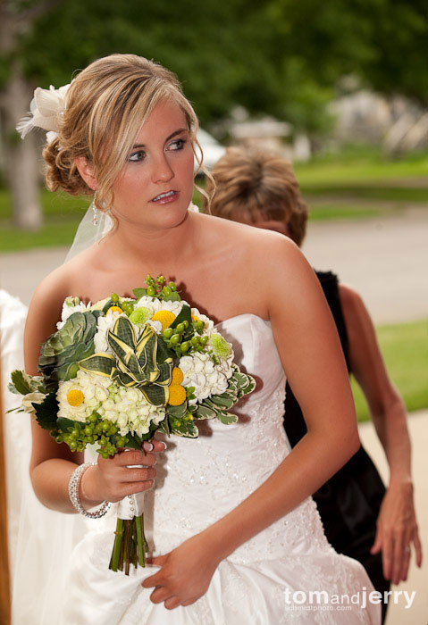 Tom and Jerry Wedding Photography, Bride sees the groom for the first time